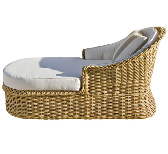 classic chaise lounge wicker material outdoor. Black Bedroom Furniture Sets. Home Design Ideas